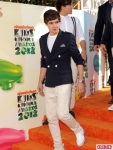 One-Direction-at-2012-Nickelodeon-Kids-Chice-Awards-2-435x580